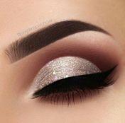 bc06b83dd5924e8da8b30859719eafc1--silver-glitter-glitter-eye