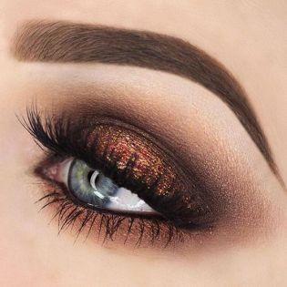 bfbfb53443bfa5fac21b40ebc0c669f5--metallic-eye-makeup-smokey-eye-makeup