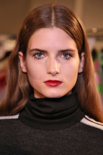 msgm-hair-and-makeup-autumn-winter-2017-trends-1492094020